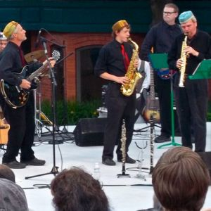 Dennis Freese and band at OSF Green Show